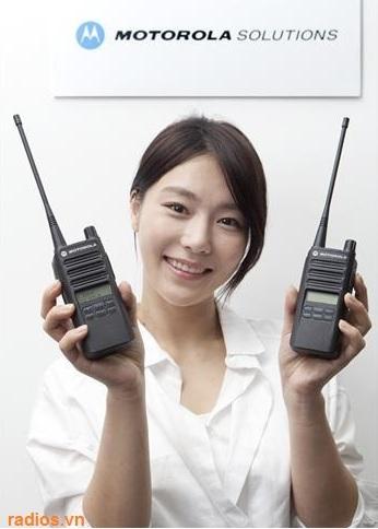 Máy bộ đàm kỹ thuật số Motorola C2620 NHÀ PHÂN PHỐI