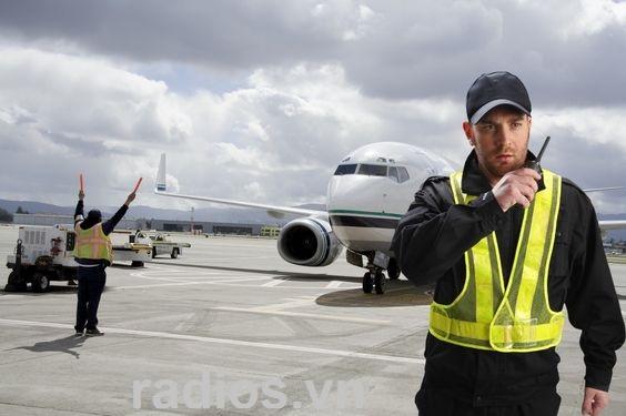 Máy bộ đàm Motorola dùng cho hàng không, sân bay